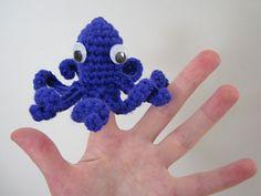 Fun idea: finger puppet in crochet. octopus. free pattern on ravelry