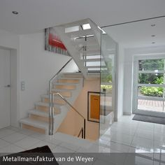 Nachher .... Die neue Holztreppe der Firma Schatten Massivholztreppen und unser Geländer aus Edelstahl-Vollmaterial mit hochglanzpolierter Oberfläche.…