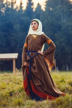 European (Normandian Sicilian) woman costume XI-XII century. Early medieval Roman costume. Created by Liza Fudim (Russia), 2012-2014. Photo by mariahoreva.ru