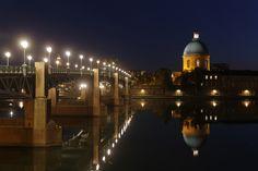 Le pont Saint Pierre et le dôme de la Grave, Toulouse, France © P. Nin - Ville de Toulouse #visiteztoulouse
