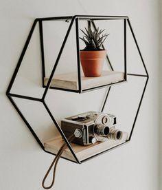 Hexagon Symmetrical Shelf Hand Made Iron Furniture, Steel Furniture, Home Decor Furniture, Diy Hanging Shelves, Wooden Shelves, Wall Shelves, House Plants Decor, Iron Decor, Welding Projects