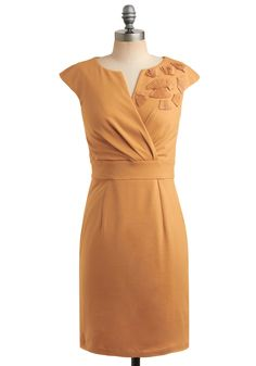 Why I'm so obsessed with mustard yellow lately, I don't know. Why I love this dress so much, simple. Look at the detailing! AHHHH!