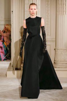 Valentino | Haute Couture - Spring 2018 | Look 32