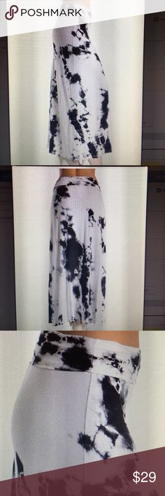 Tie-dye cotton skirt Black and white tie-dye maxi skirt with fold over top to make it as high or low as you want very soft cotton small medium and large sizes available right now. Always a discount on bundles🎉🤑🎉 t-party Skirts Maxi