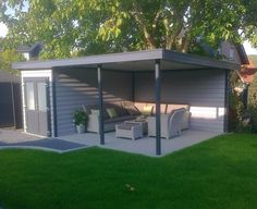 Kunststof tuinhuis met veranda