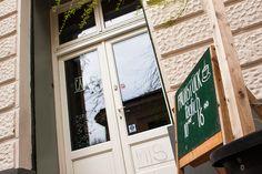 Café in der Burggasse 24 Online Magazine, Vienna, Windows, Travel, City, Viajes, Destinations, Traveling, Trips