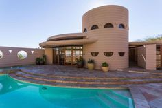 On the market: Frank Lloyd Wright-designed Lykes Home in Phoenix, Arizona, USA on http://www.wowhaus.co.uk