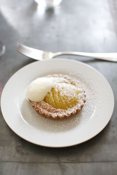Pear & Almond Tart...<3