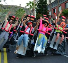 Funny pictures about Clever Roller Coaster Costume. Oh, and cool pics about Clever Roller Coaster Costume. Also, Clever Roller Coaster Costume photos. Clever Halloween Costumes, Cool Costumes, Halloween Party, Costume Ideas, Halloween Clothes, Cheap Halloween, Halloween 2014, Halloween Ideas, Funny Group Halloween Costumes