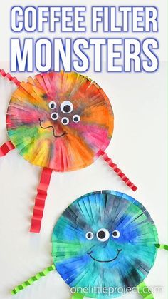 These coffee filter monsters are SO FUN to make and they look amazing! They'd look great hung up on the wall or window! This is such a fun Halloween craft for kids. It would also be a great craft for Manualidades Halloween, Fun Halloween Crafts, Spooky Halloween Decorations, Fun Crafts For Kids, Art For Kids, Kids Diy, Halloween Crafts For Preschoolers, Art Projects For Toddlers, Arts And Crafts For Kids Toddlers