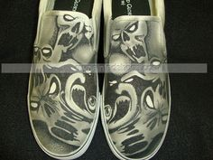 Skull and eyeballs Custom Designed Shoes,Low-top Painted Canvas Shoes