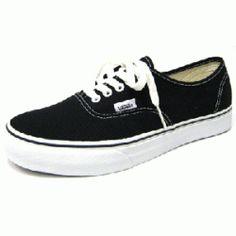 Black Vans Authentic //