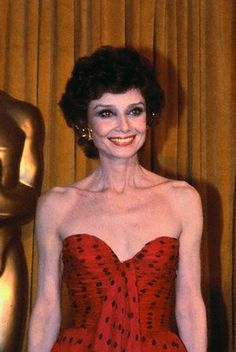 Audrey at the Oscars - Audrey Hepburn,   I'd not seen this before!