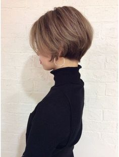 ディコ(Dico) 美人オーラ☆小顔ヘア☆パーソナルカラーで似合わせ大人ボブ Tomboy Hairstyles, Mom Hairstyles, Short Hairstyles For Women, Pretty Hairstyles, Haircuts, Asian Short Hair, Asian Hair, Short Hair With Layers, Short Hair Cuts