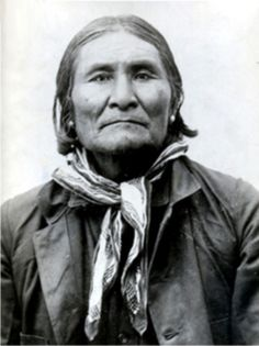 """Geronimo"" by Barbara Ping Geronimo was a Bedonkohe [Chiricahua] Apache who lived in the ""Southern Four Corners"" region (southeastern Arizona, southwestern New Mexico, northwestern Chihuahua, Native American Warrior, Native American Images, Native American Tribes, Native American History, American Indians, Apache Indian, Native Indian, Geronimo, Photo Portrait"