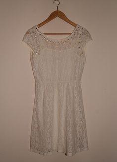 Kup mój przedmiot na #Vinted http://www.vinted.pl/kobiety/krotkie-sukienki/9830236-biala-koronkowa-sukienka-reserved