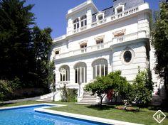 Palacio espectacular en venta en la exclusiva zona de Pedralbes en la Zona Alta de Barcelona. Vistas increíbles de la ciudad