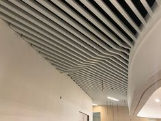 office ceiling U-baffle ceiling Baffle Ceiling, Metal Ceiling, Ceiling Height, Office Ceiling, Ceiling Decor, Fire Sprinkler, Construction Drawings, Building Materials, Colorful Pictures
