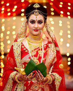 32 Ideas Makeup Bridal Wedding Indian Bengali For 2019 Indian Wedding Couple Photography, Indian Wedding Bride, Bengali Wedding, Bengali Bride, Bride Photography, Photography Ideas, Indian Bridal Photos, Indian Bridal Fashion, Bengali Bridal Makeup