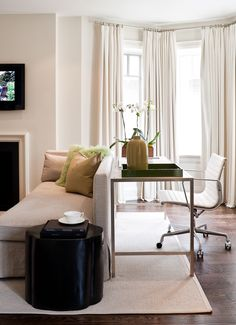 Powell and Bonnell Design Inc. Improvised working desk area out of family room. Gorgeous color palette all over. Interior Design Portfolios, Luxury Interior Design, Interior Decorating, Condo Living, Living Room Decor, Living Rooms, Living Spaces, Home Command Center, Office Interiors