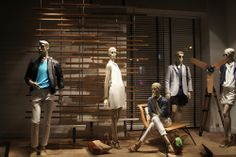 Massimo Dutti Visual Merchandiser, styling and still life designs Store Window Displays, Display Window, Clothing Displays, Retail Windows, Retail Store Design, How To Iron Clothes, Higher Design, Showcase Design, Window Stickers