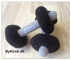 Baby barbell pattern Price: 4usd. The pattern are available on Ravelry here: http://www.ravelry.com/patterns/library/baby-dumbbells-2  If you would like to purchase this pattern without using Ravelry, please send $4 to kirsti_mt@hotmail.dk using paypal You can also leave your paypal email adress and then I wil send an invoice.