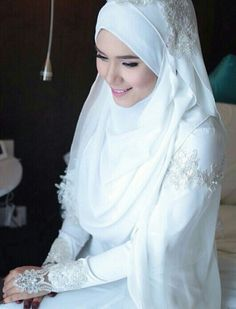Bridal hijab with lovely lace [asphere photography]