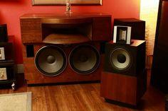 Vintage audio speakers (FB)