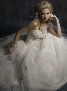 Ball Gown Taffeta Sleeveless bridal gown