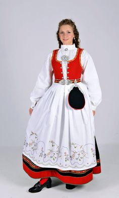 Vestfold 56 - Ny, sydd til dine mål Norwegian Clothing, Native Wears, Costumes Around The World, Ethnic Dress, Folk Costume, Toddler Dress, Classy Outfits, Traditional Dresses, Vintage Dresses