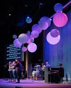 Stage Set Design, Church Stage Design, Bühnen Design, Youth Decor, Church Interior Design, Worship Night, Church Backgrounds, Christmas Stage, Lighting Concepts