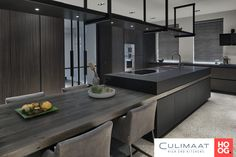 Using The Experts For Kitchen Renovations - Sweet Crib Kitchen Room Design, Modern Kitchen Design, Home Decor Kitchen, Modern House Design, Interior Design Living Room, Kitchen Island Table, Kitchen Island With Seating, Kitchen Dinning, Luxury Kitchens