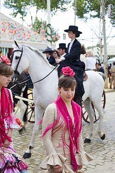 Women in Traditional clothing, annual fiesta in Sevilla, Feria de Abril, Sevilla, Province Sevilla, Andalucia, Spain