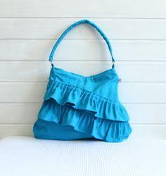 NEU Frilly Tasche in Farbe Blau ..Reißverschluss von BayanHippo auf DaWanda.com