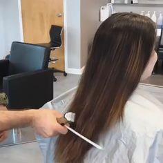 Rich Brown Hair, Brown Hair With Highlights And Lowlights, Hair Cutting Videos, Hair Stations, Round Face Haircuts, Bob Styles, Silver Hair, Hair Designs, Wavy Hair