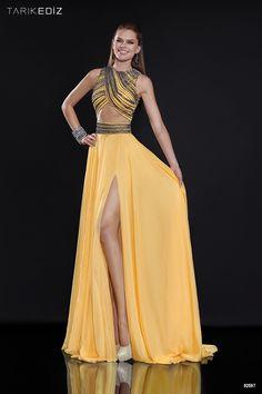Vestidos de fiesta Tarik Ediz: ¡El amarillo es la clave! #vestidosdefiesta #tendencias #amarillo #trajesdenoche #moda #fashion