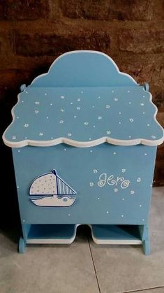 Decoupage, Toy Chest, Storage Chest, Furniture, Home Decor, Baby Art Crafts, Tela, Painted Wooden Boxes, Furniture Plans