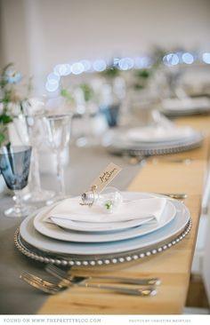 grey and blue urban table decor ideas 004 Urban Chic Inspiration Reception Table, Wedding Reception Decorations, Table Decorations, Table Setting Inspiration, Wedding Inspiration, Wedding Ideas, Industrial Wedding, Industrial Chic, Loft Wedding