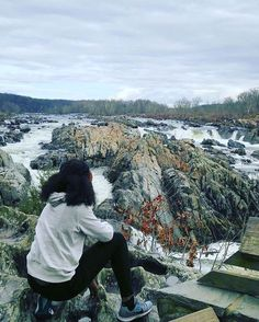Taking in the #GreatFalls of Northern Virginia with @teach.travel.trina. // Travel Well #TravelFly!