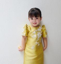 A cute little girl wears Filipiniana. Modern Filipiniana Gown, Filipiniana Wedding Theme, Wedding Gowns, Cute Little Girls, Little Girl Dresses, Flower Girl Dresses, Flower Girls, Bridal Dresses, Philippines Fashion