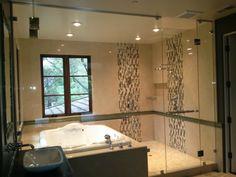 Bathtubs idea excellent bathtub simple bathroom decor with lamps and sink cabinet inside shower combination sizes Gray Bathroom Decor, Simple Bathroom, Tub Shower Combo, Shower Tub, Custom Shower Doors, Bathtub Sizes, Glass Shower Enclosures, Bathtub Remodel, Japanese Bathtub