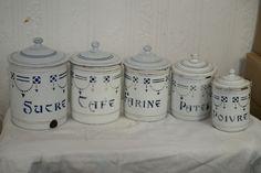 5 Boîtes en tôle émaillée pots à epices