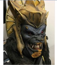 Original Goldar mask from Mighty Morphin Power Rangers Resident Evil Monsters, Mighty Morphin Power Rangers, Master Chief, Deadpool, Superhero, The Originals, Film, Fictional Characters, Art
