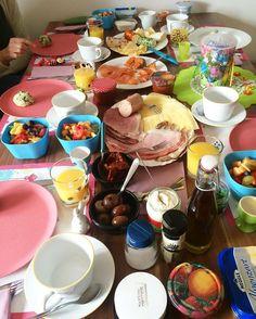 DAS  nenn ich mal nen #osterbrunch  jetzt geht's dann noch zu meinen Eltern und dann wird auf die Couch gekugelt  #hatersgonnahatepotatoesgonnapotate#eatclean #eatright #eatingwithoutcheating #straubing #absaremadeinthekitchen #abgerechnetwirdamstrand #wir2punkt0 #foodblogger #foodlover #foodporn #trainhard #fitfam #fitspo #fightlipedema #lipödem #lipedema #lowcarb #slowcarb #metaboliccoaching #fitness #girlswithabs #proteins #teilzeitveganer #teilzeitvegetarier #teambodylove…