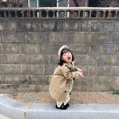 Cute Asian Babies, Korean Babies, Asian Kids, Cute Babies, Baby Kids, Cute Baby Meme, Baby Memes, Kwon Yul, Couple With Baby