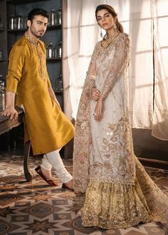 Hands-on our latest Pakistani Gharara for Wedding Events, We have Wide collection of Pakistani Bridal Wears Online, Latest Lehenga Choli & Gharara in USA. Walima Dress, Pakistani Formal Dresses, Pakistani Wedding Outfits, Pakistani Wedding Dresses, Pakistani Dress Design, Bridal Outfits, Indian Dresses, Indian Outfits, Indian Clothes
