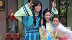 Never knew this photo existed  Han Sung, Soo Yeon, & Ah Ro in Hwarang