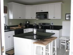Kitchen Green Colors like Soft Fern, Mesquite, Vert de Terre - Benjamin Moore