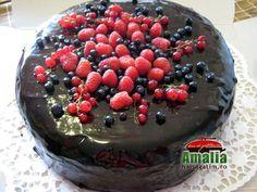 Tort cu mousse de ciocolata Mousse, Pudding, Desserts, Food, Tailgate Desserts, Deserts, Custard Pudding, Essen, Puddings
