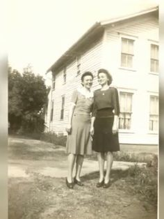 Bernice Fraley Bowman and unknown friend in Sandy Hook, KY